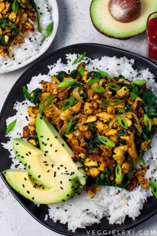 Shredded Curry Tofu with Spinach, Onion, Scallion, Avocado, Sesame Seeds, and Rice