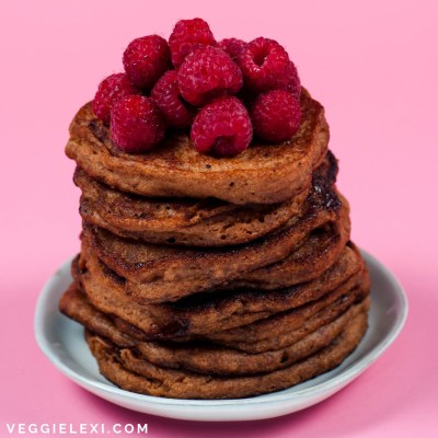 How To Make Easy Gluten Free Vegan Gingerbread Pancakes with Any Gluten Free Pancake Mix - Served with Fresh Raspberries - by Veggie Lexi
