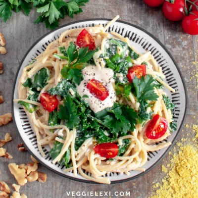 Try this delicious, easy, 4 ingredient creamy vegan and gluten free pasta sauce! This sauce is so basic and yet still so delicious. Prepare it while you're boiling your pasta, and have a delicious dinner on the table in no time! - by Veggie Lexi