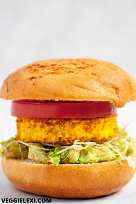 """Delicious easy vegan and gluten free breakfast sandwich with a tofu """"egg"""", avocado, tomato, and sprouts. #vegan #veganrecipes #veganbreakfast #veggielexi - by Veggie Lexi"""