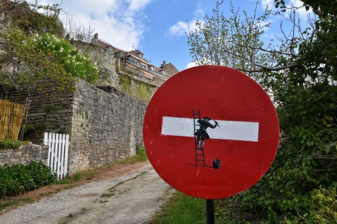 Vézelay street artwork