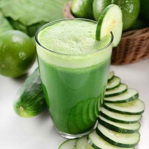 Green Detox Juice with herbs