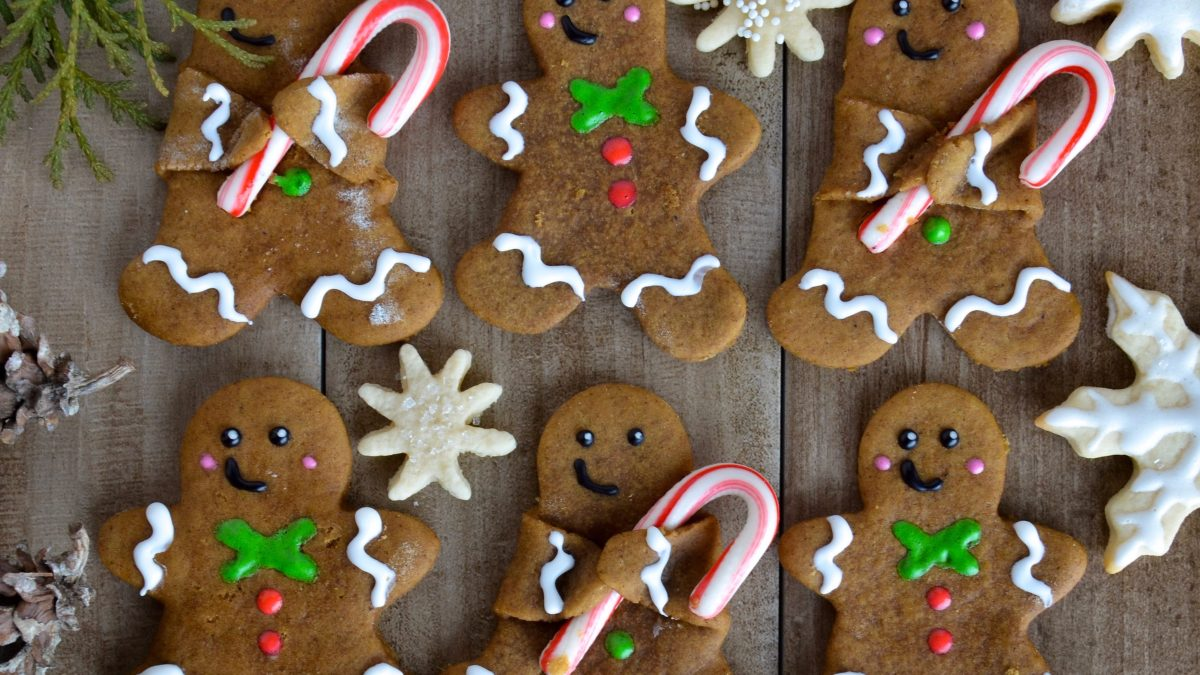 Vegan Gingerbread Cookies (Holding Candy Canes!!)