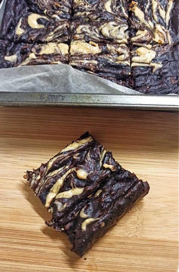 4-ingredient-peanut-butter-swirl-brownies