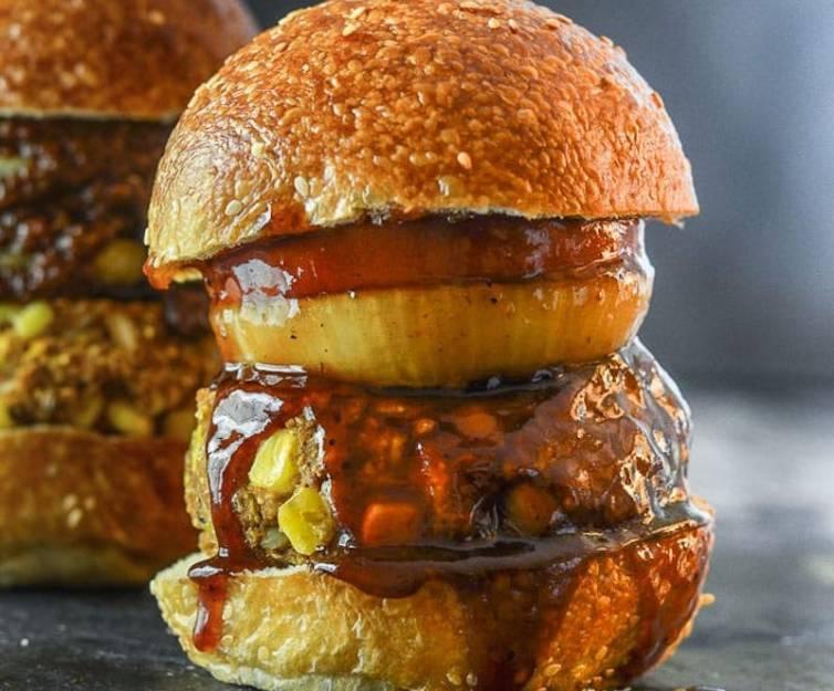 VegNews.BBQburger