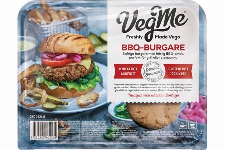 Förpackning med bild på hamburgare med bröd och texten VegMe BBQ-burgare