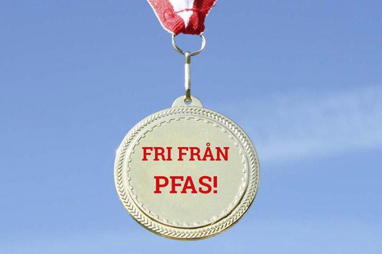 En medalj med texten FRI FRÅN PFAS!