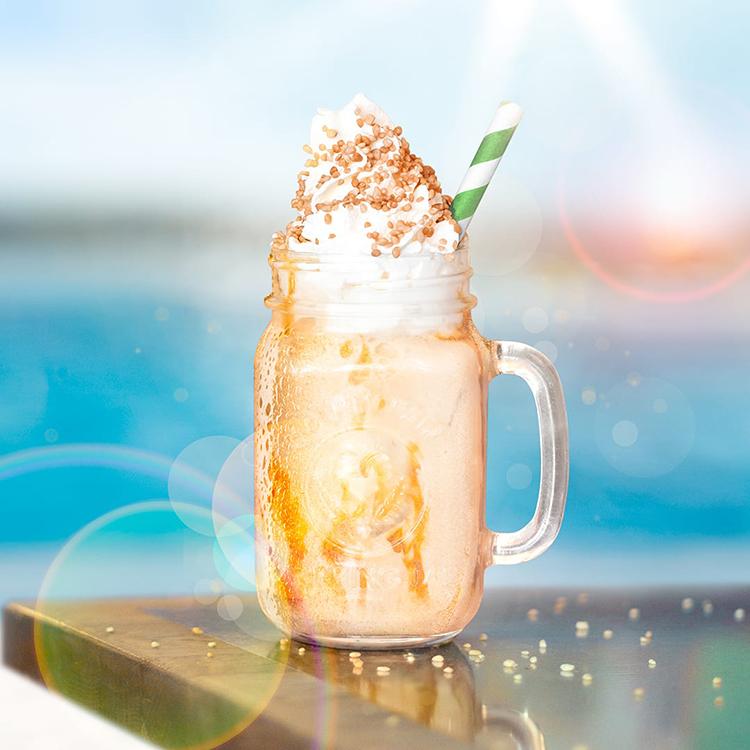 Ett glas med milkshake