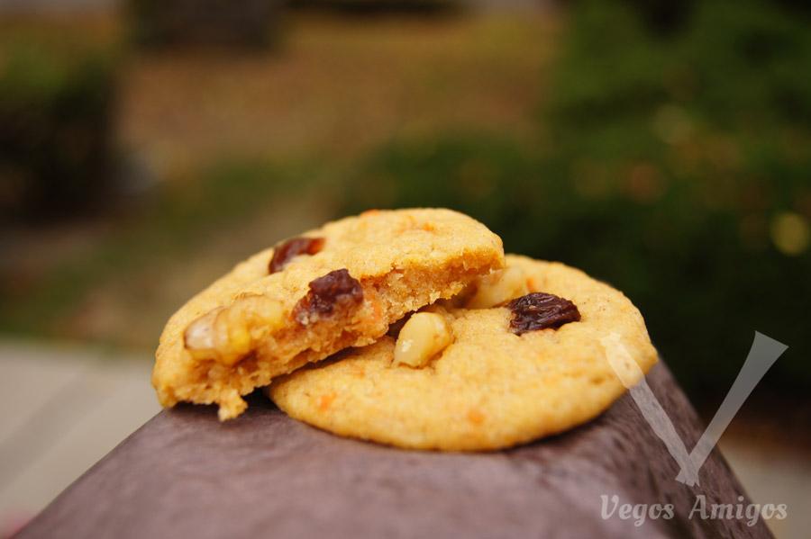 Vegan 14 Karat Cake cookie by Pipernilli | VegosAmigos