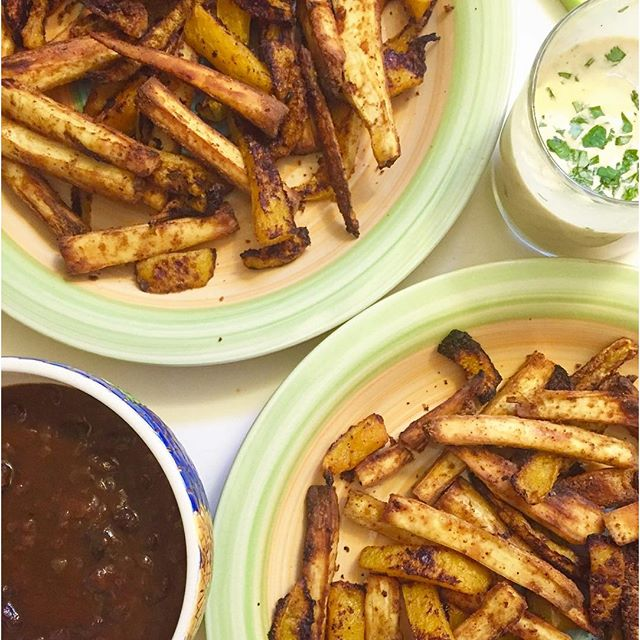 Yuca & butternut squash baked fries waiting to be chili & aioli topped 🏼