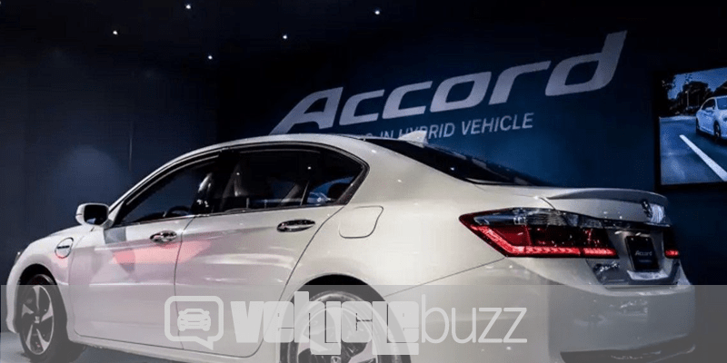 Photo of side of 2018 Honda Accord at auto show