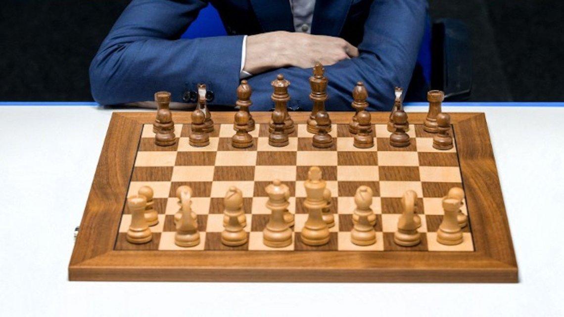 Une chaîne YouTube d'échecs bloquée par une IA à cause des termes «noirs» et «blancs» – CNEWS