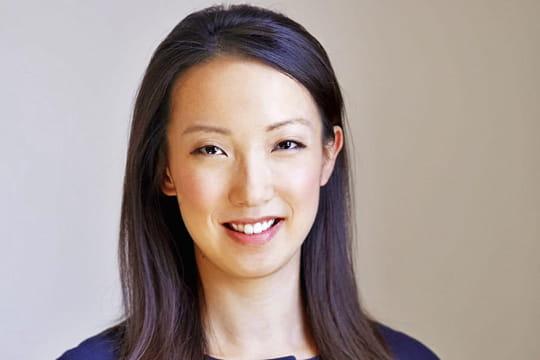 """Clara Shih (Salesforce Service Cloud) : """"L'utilisation de l'IA de Salesforce par les services clients a explosé de 700% en termes de prédictions réalisées"""" – JDN"""
