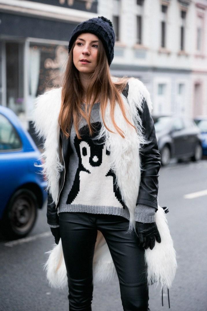 fellweste-fake-fur-vest-lederjacke-lederhose-winter-outfit (7 von 18)
