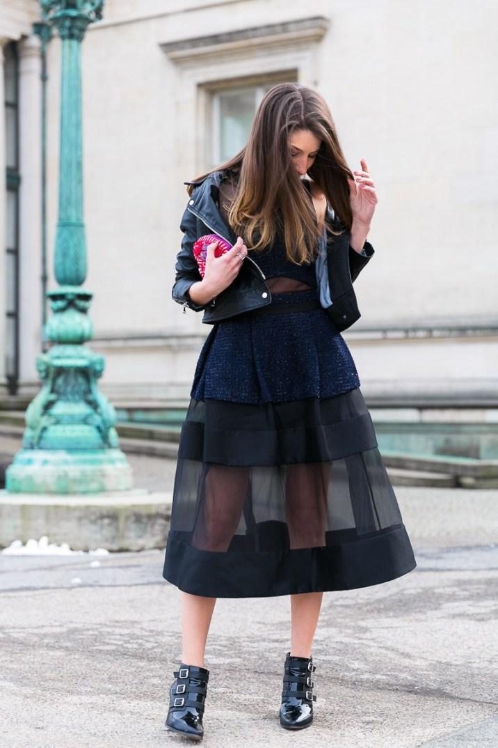 valentinstag outfit kleid lederjacke chic look fashion blog elegant chic