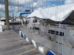 Notre voilier au ponton avant l ouragan Florence