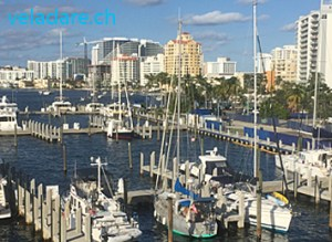Notre voilier vela dare dans le port de Las Olas, Fort Lauderdale, Floride