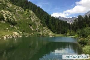 Lac de montagne au Lötschental