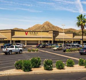 Velocity Retail Group Leases 55,000 SF Big Box in Phoenix 1