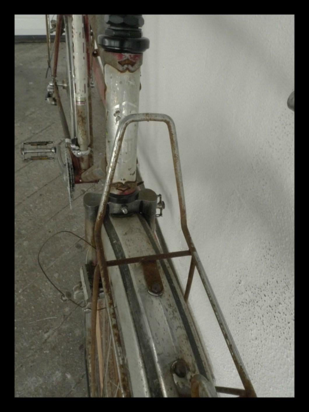 Pronto, admito que comprei a bicicleta por causa dos porta-bagagens. São excelentes!