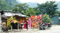 Vendeur de guirlandes, Nepal