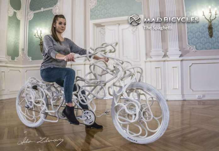 Vélo spaghetti d'Adam Zdanowicz de MAD Bicycles