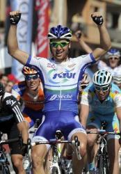 Juiien Simon wins again (image courtesy of official race website)