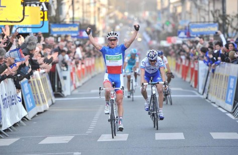 King of France, Thomas Voeckler, wins with panache (Image courtesy of Agence Press Sports)