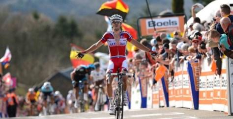Moreno crosses the line (Image: Katusha)
