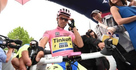 Contador started and finished the longest stage of this year's race despite yesterday's injuries (Image: Giro d'Italia)