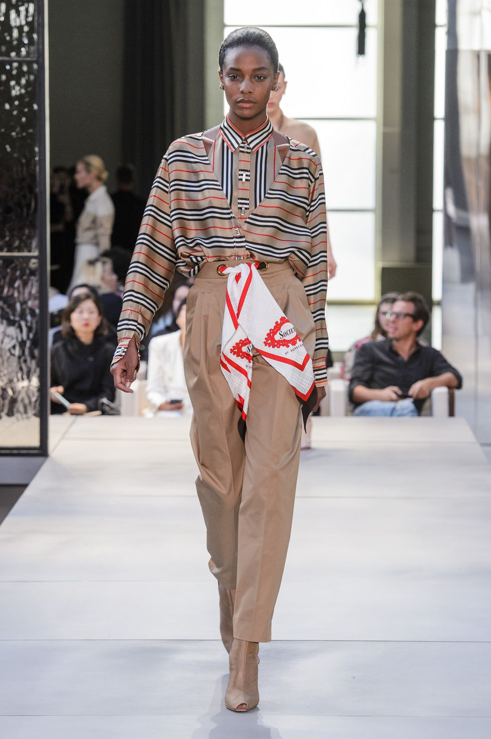 Riccardo Tisci Debuts First Collection For Burberry SS19 'Kingdom'