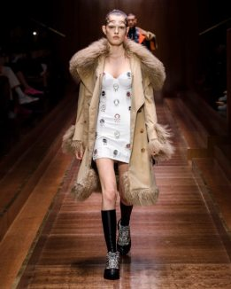 Burberry Autumn_Winter 2019 Collection - Look 35
