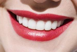 womans-beautiful-teeth