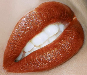 Dramatic-Sexy-Lip Colours-for-Fall-burnt-orange