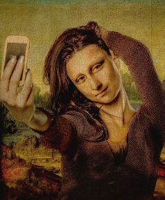 sexy-this-week-art-in-the-eye-of-the-beholder-mona-lisa-selfie