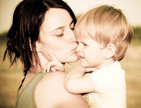 mother-child-love-closeness