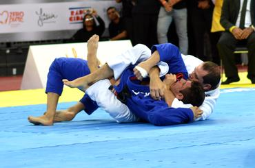 O ataque que definiu a revanche (Carlos Arthur Jr)
