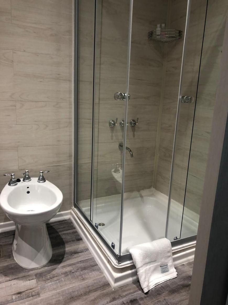 banheiro airbnb trelew