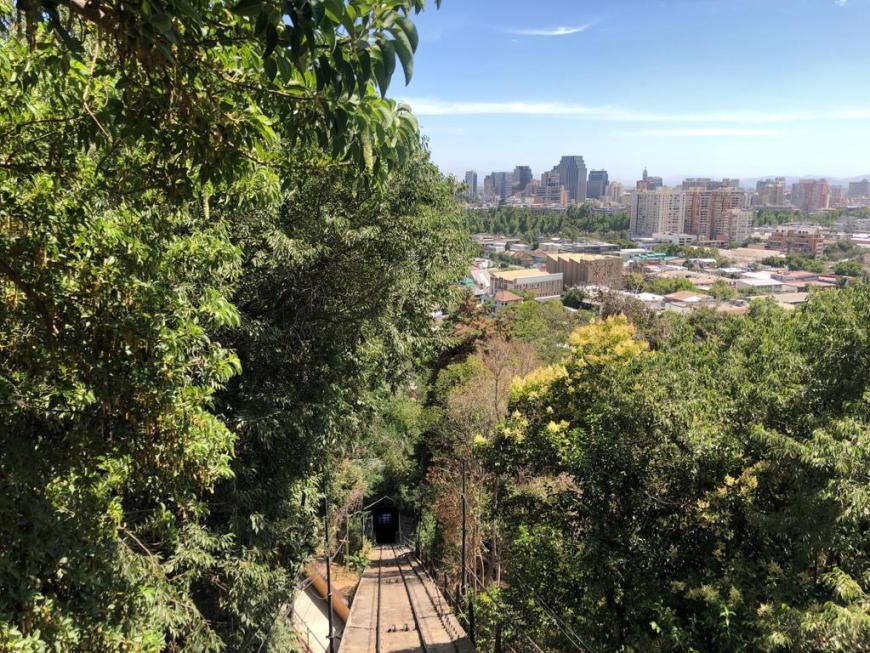 Subida de funicular no Cerro San Cristóbal