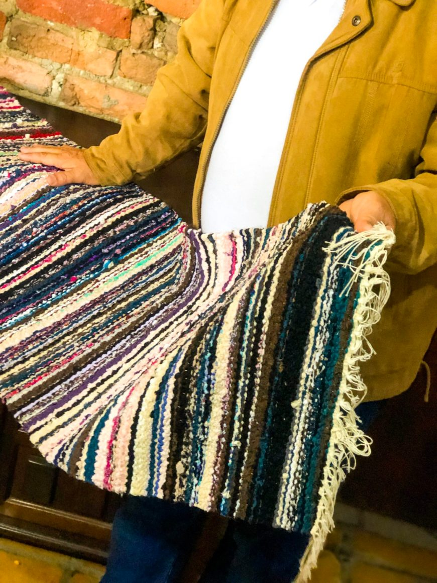 tapete feito de renda de lingerie