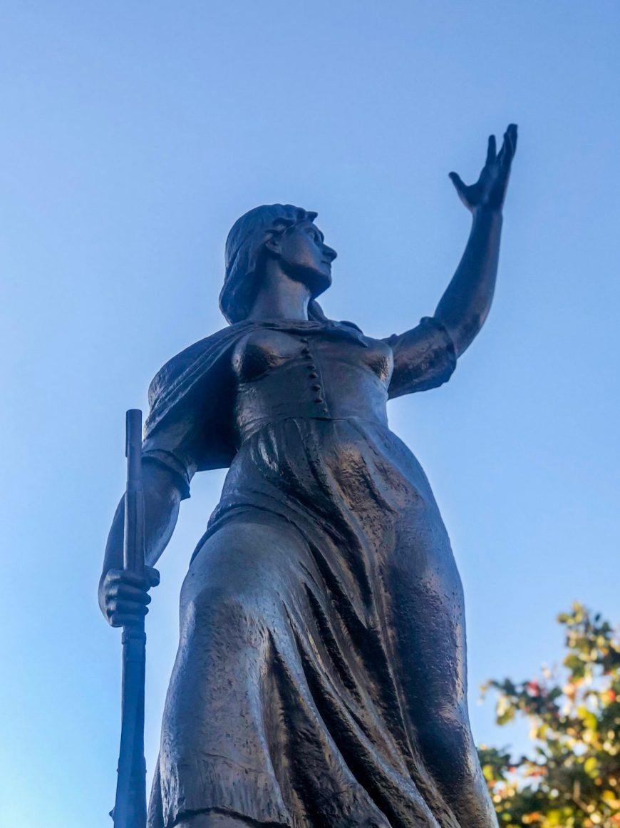 estátua de Anita Garibaldi