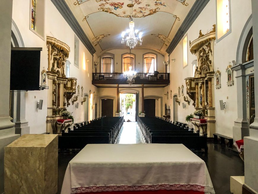 interior da greja Matriz Santo Antônio dos Anjos