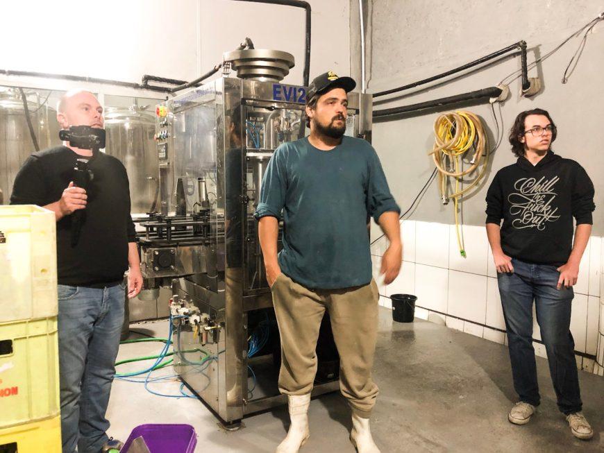 Chico nos explicando sobre a produção das cervejas