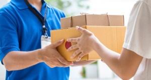 Lurer du på hvordan du kan sende pakker til utlandet? Prosessen er svært lik som når du sender pakker innlands, men det er noen viktige ting du burde huske på. Les vår artikkel og lær 10 nyttige tips om hvordan du burde sende en pakke til utlandet.