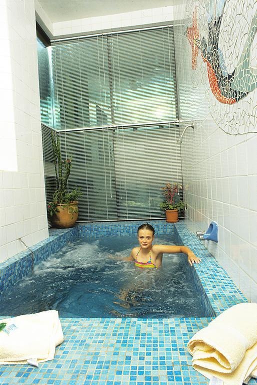 hotelgloria_urmiri_171667824