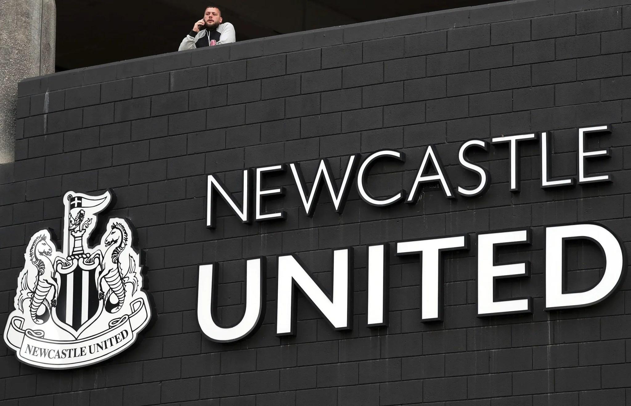 Newcastle united resmi dipegang oleh pemilik baru. vendettasportsmedia