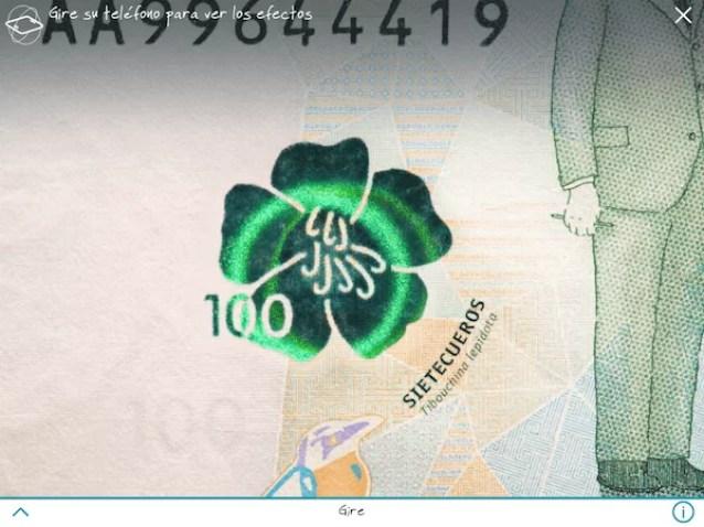 En la flor se muestra un horograma se mueve al girar el celular
