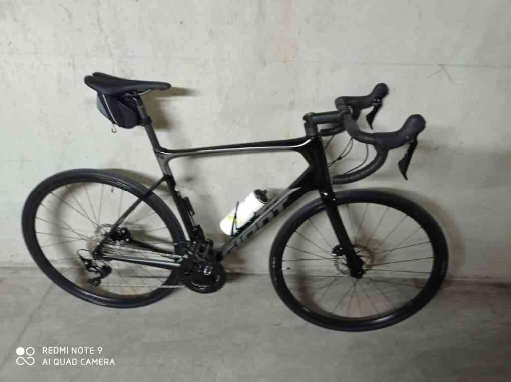 vélo de route Giant Defy Advanced 2 neuf 2021