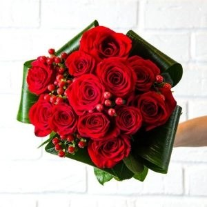 Rose20Red20Flower20Hand20Bouquet201220Flower20Venera20Flowers 1