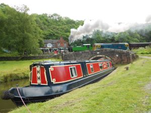 Lady Isabella at the Black Lion pub on the Caldon canal
